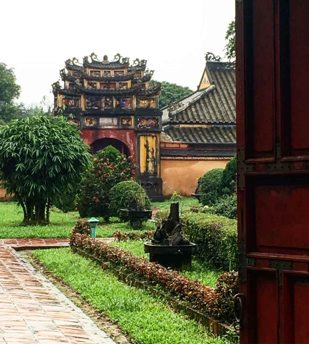 Vietnam - Una de las puertas a la ciudad prohibida