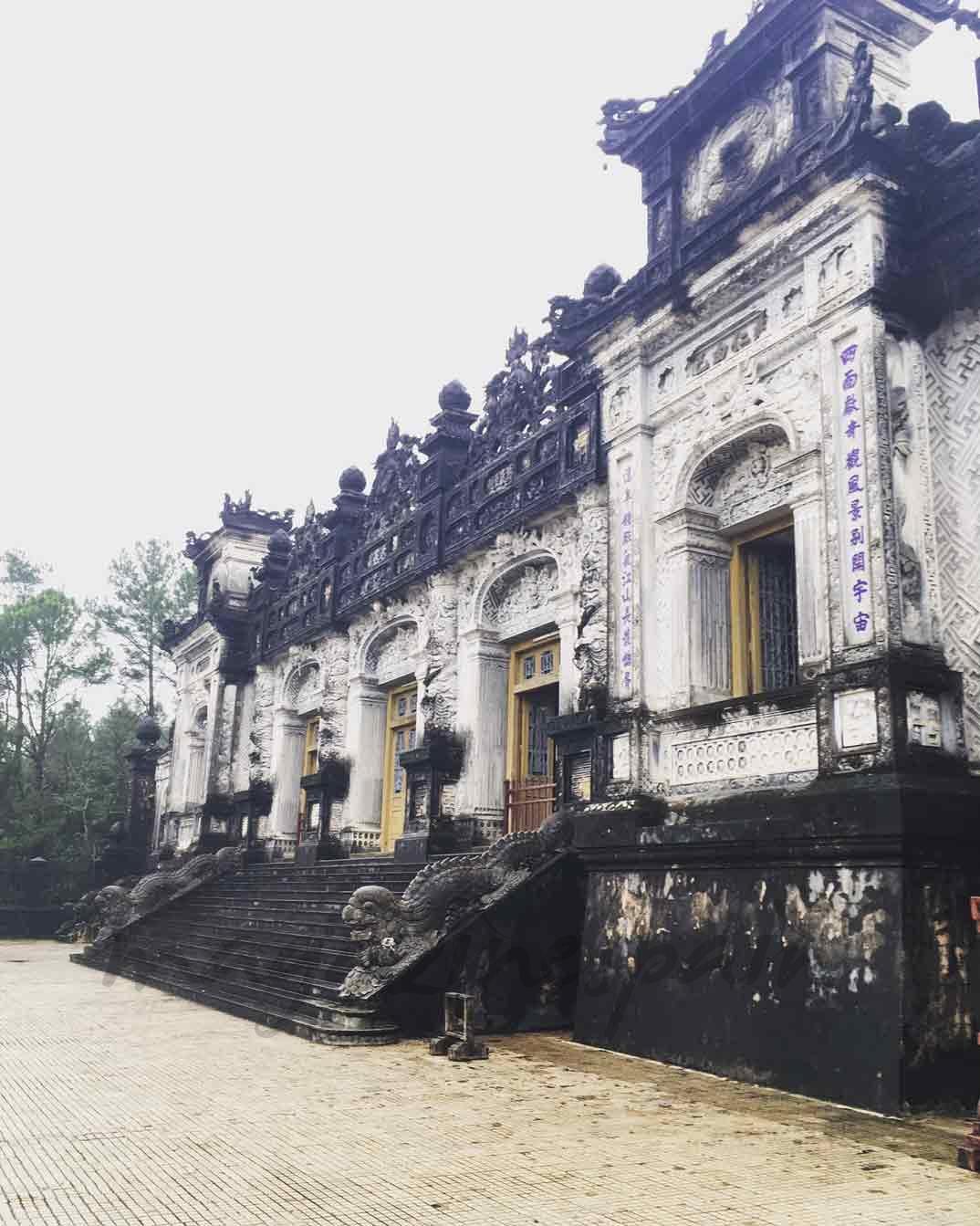 Vietnam - Edificio de la Tumba de Khai Dinh