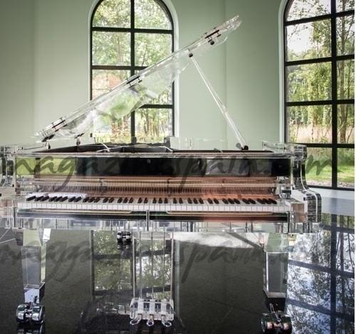 EL PIANO DE CRISTAL