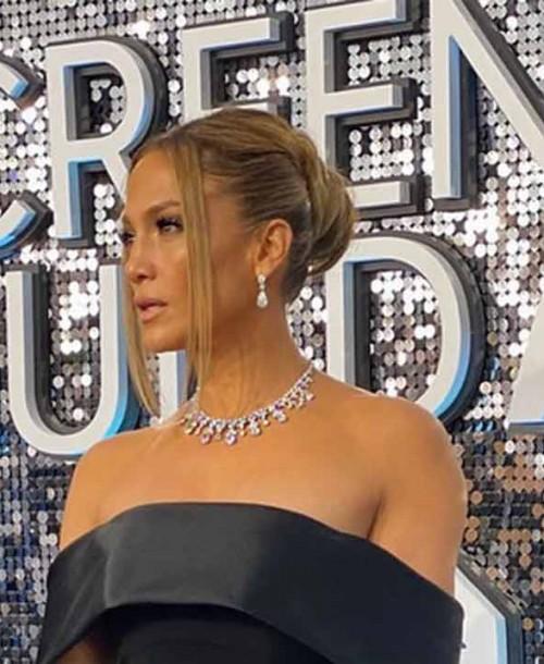 Jennifer López revitaliza y renueva su piel con Bee venom de Rodial