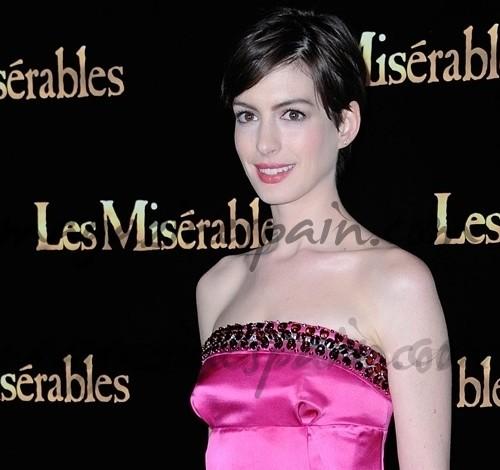 Anne Hathaway conquista París