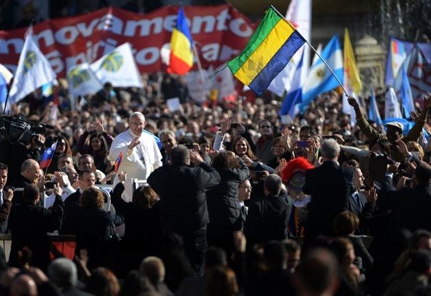 El papa Francisco I ante sus feligreses