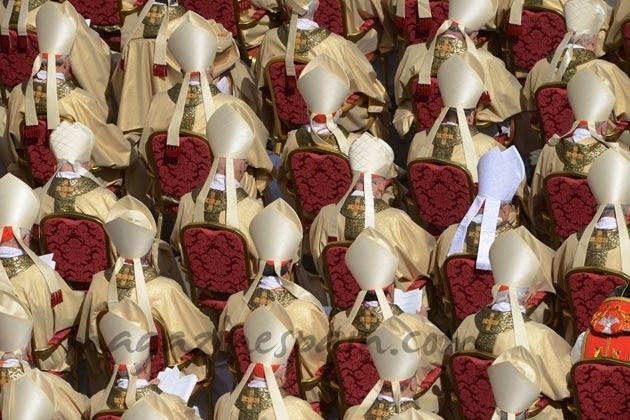 Cardenales y Obispos entronización