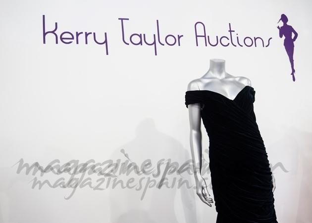 Diez vestidos de la Princesa Diana por un millón de euros
