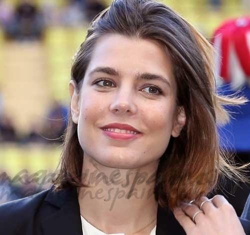Carlota Casiraghi bella y solidaria