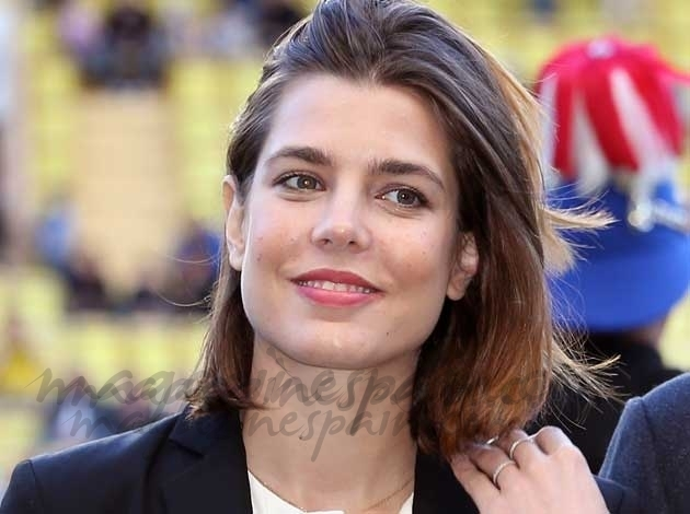 Carlota Casiraghi bella y solidaria