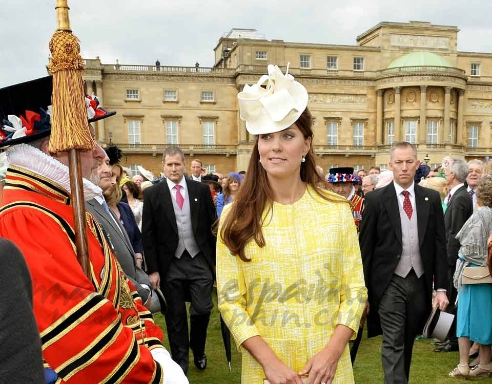 Kate Middleton una primaveral embarazada