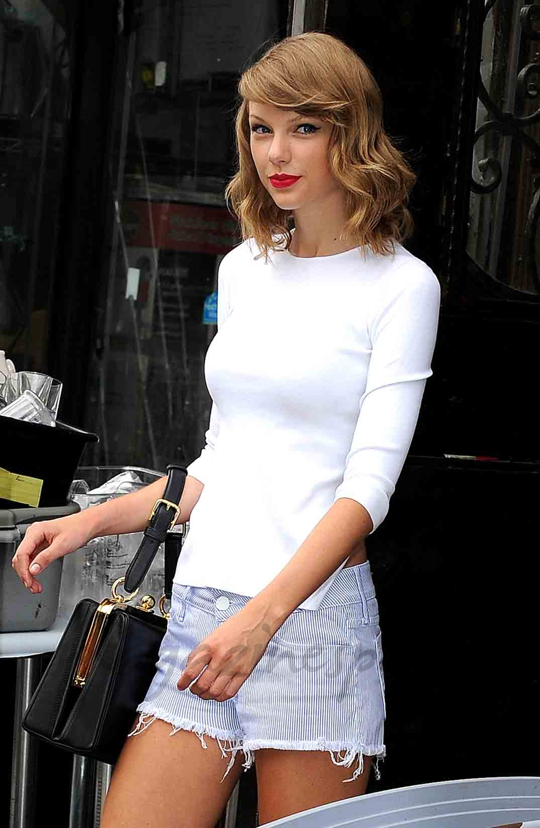 Taylor-Swift-14