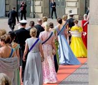 llegada a la boda del-principe-carl-phillips-y-sofia-hellqvist