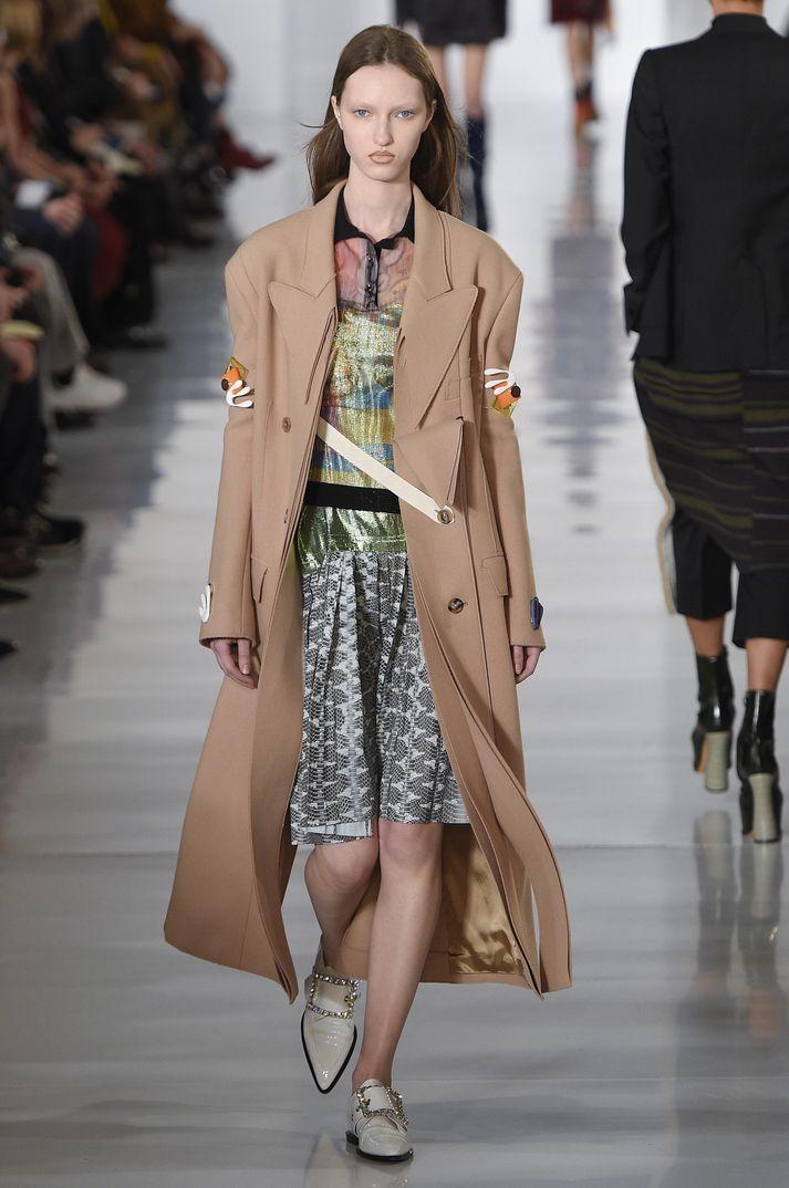 Par s fashion week 2016 maison margiela for Maison de la mode paris