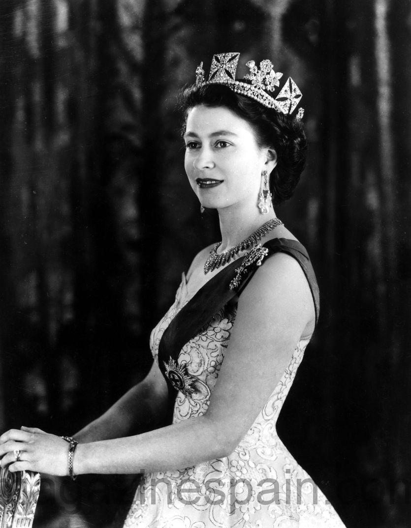 La Reina Isabel Ii De Inglaterra Bate El R 233 Cord De Reinado