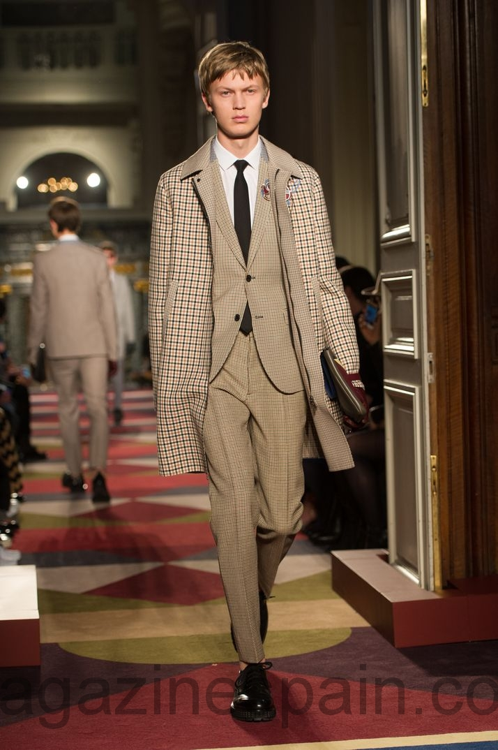 "Comienza París Fashion Week: ""Valentino"""