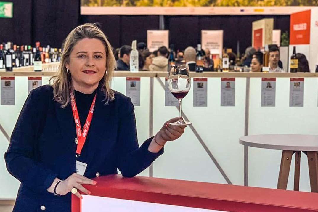 Hablemos de vino:  El mundo del vino, placer y pasión
