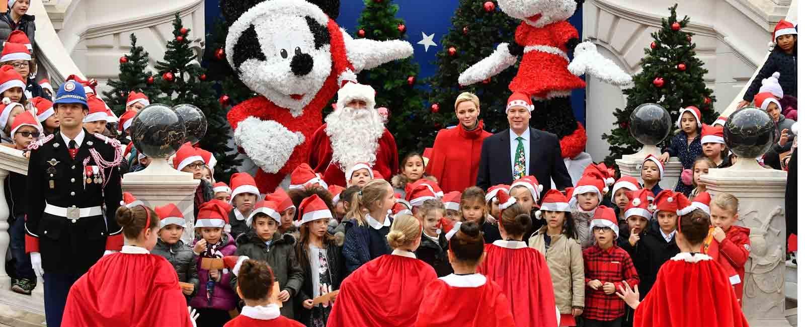 Los príncipes Alberto y Charlene inauguran la Navidad en Mónaco