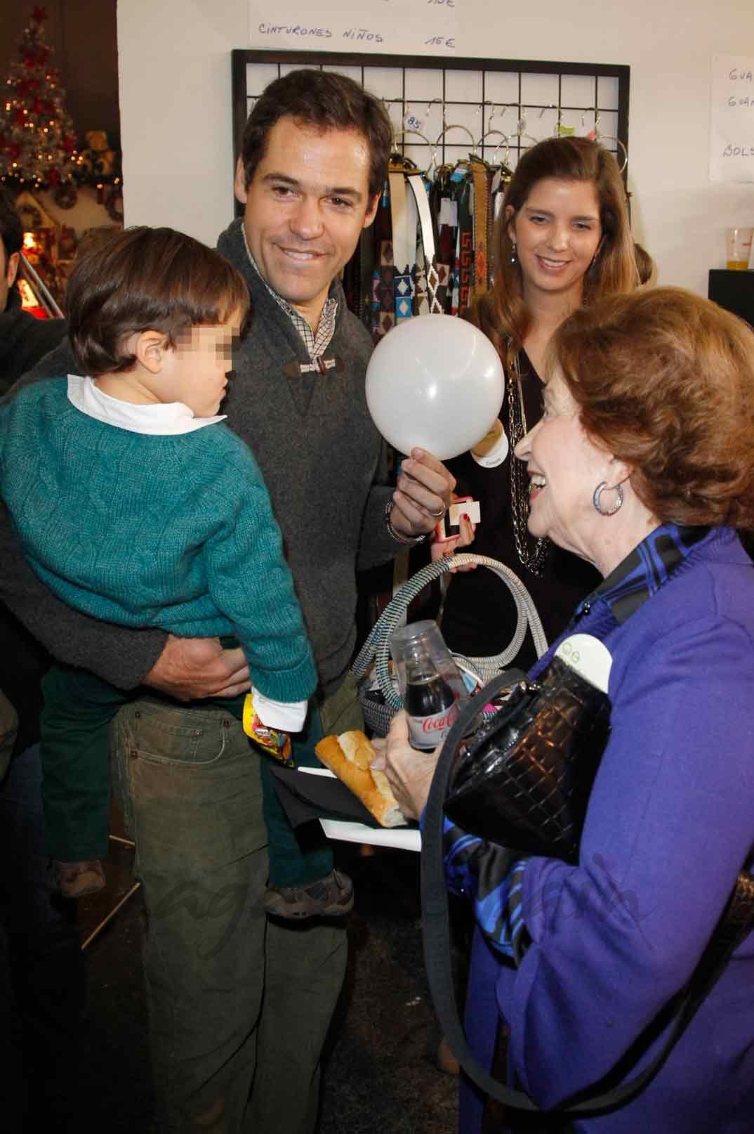 Carmen Franco con su nieto Luis Alfonso de Borbón y uno de sus bisnietos