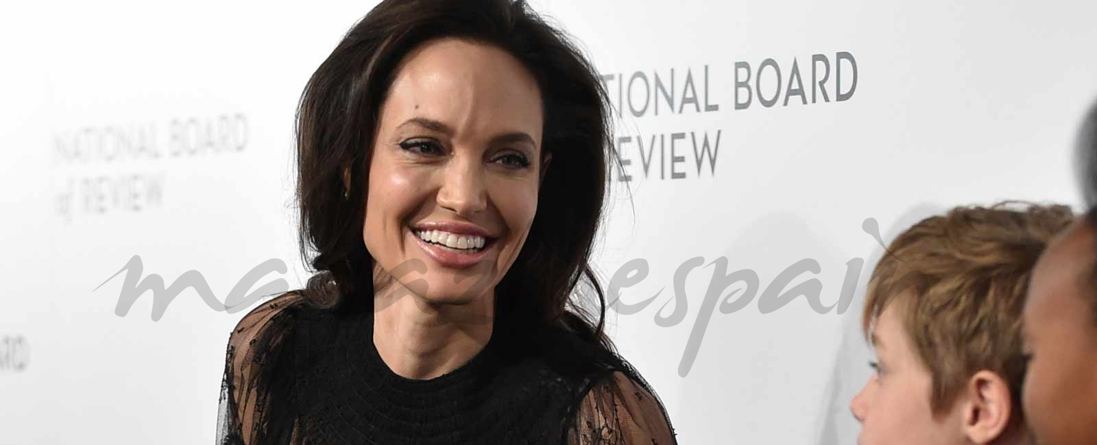 Angelina Jolie vuelve a sonreír