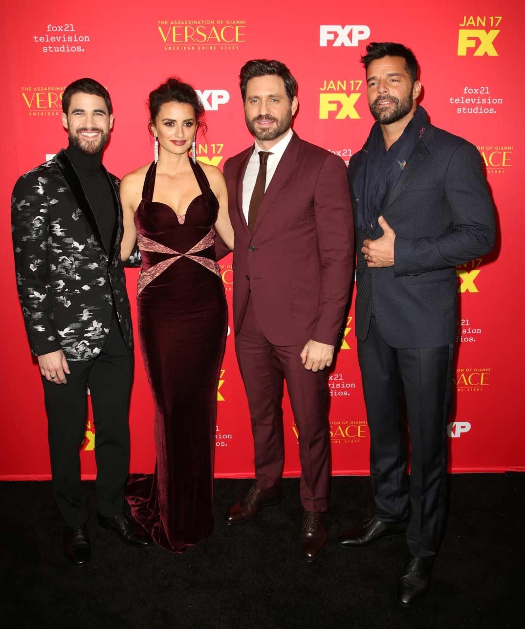Darren Criss, Penelope Cruz, Edgar Ramirez y Ricky Martin