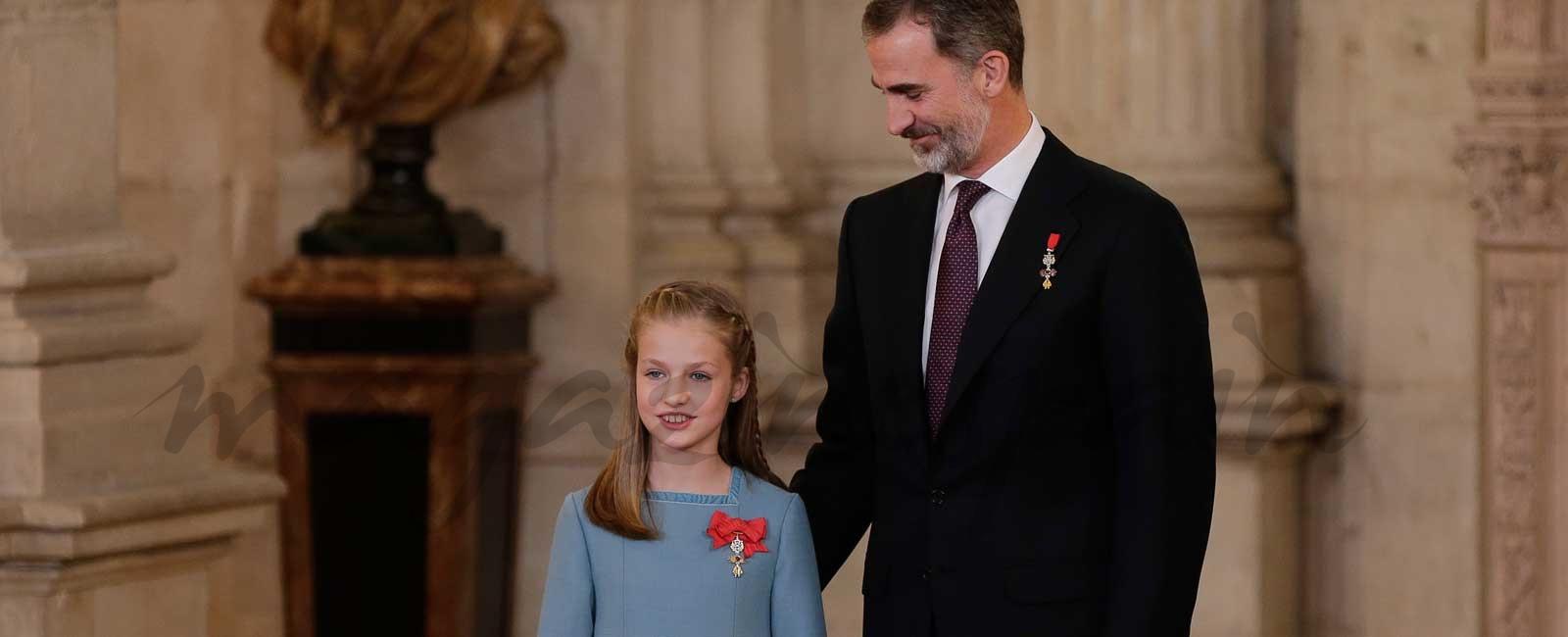 Con motivo de su 50 cumpleaños, el rey Felipe VI impone el Toisón de Oro a la princesa Leonor