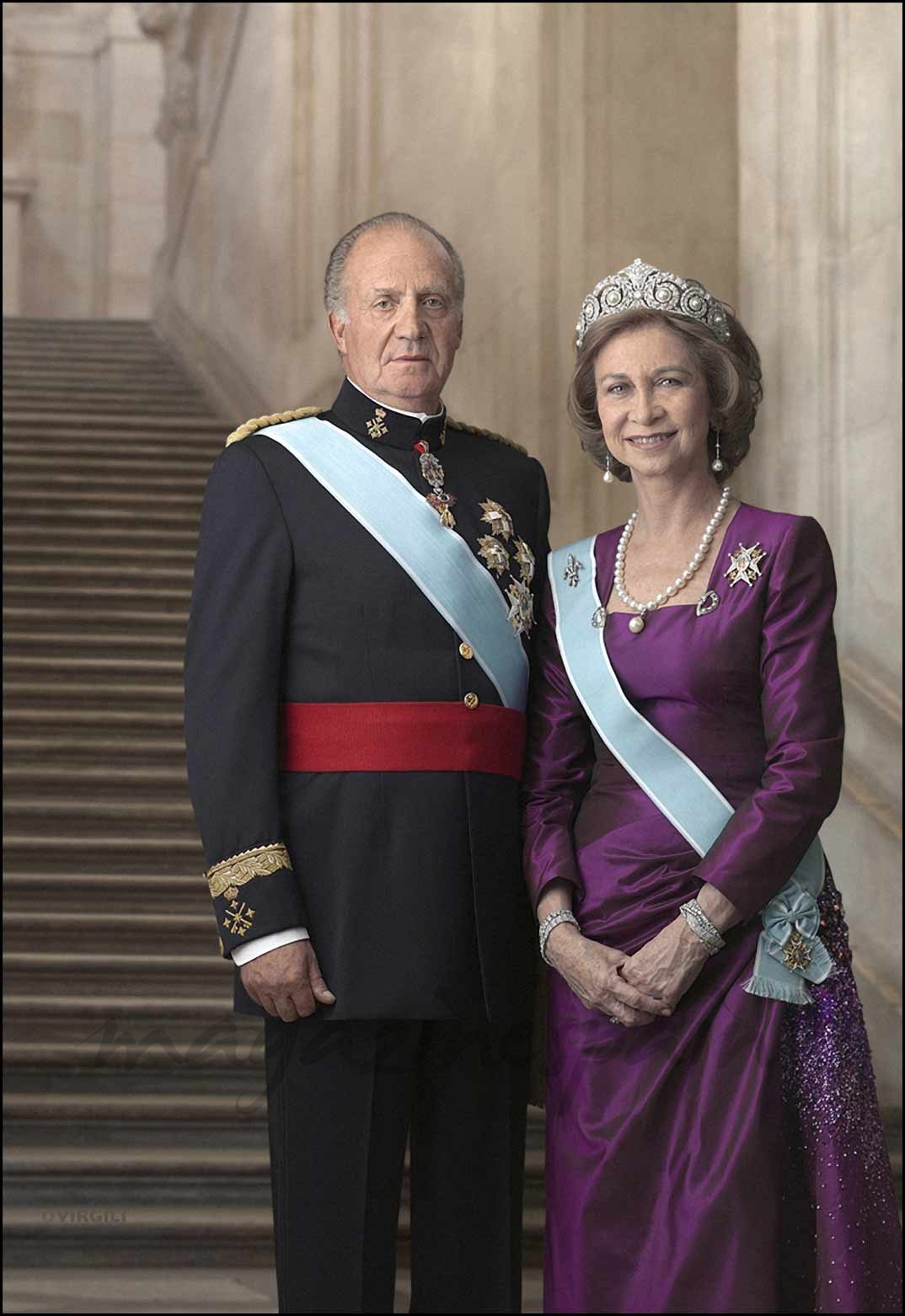 Posado oficial de los reyes don Juan Carlos y doña Sofía en el Palacio de la Zarzuela (11/03/2007)