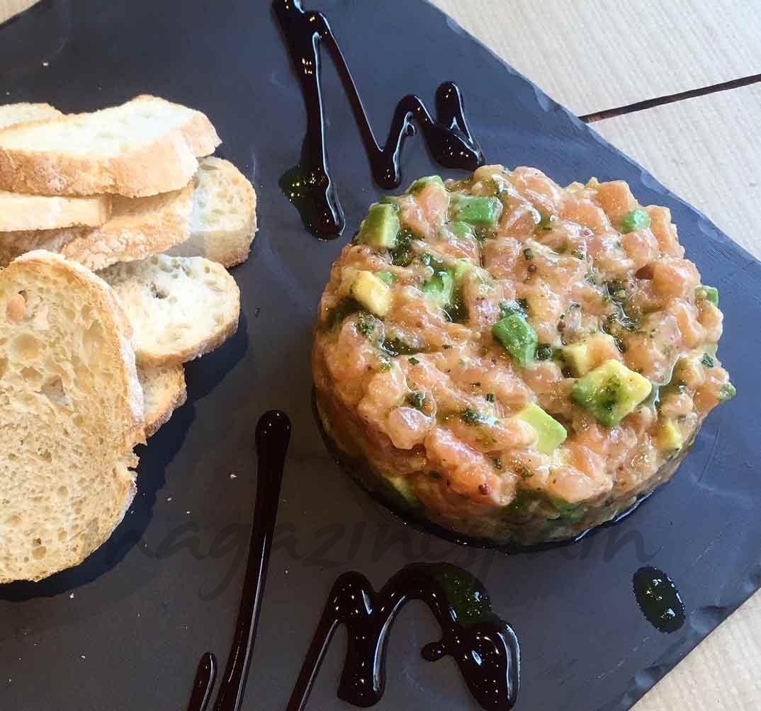 Tartar de salmón, tomate y aguacate