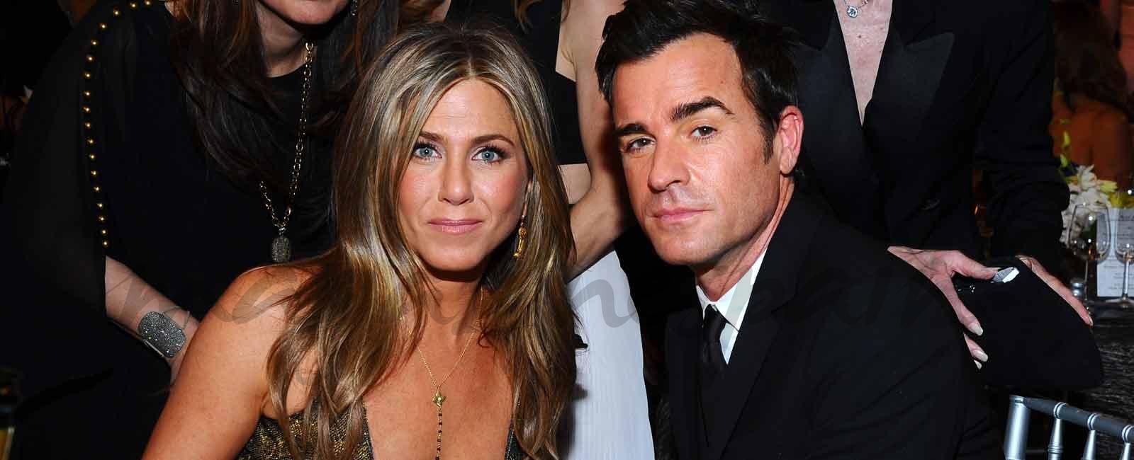 Las notas de amor de Brad Pitt a Jennifer Aniston que encontró su marido, Justin Theroux