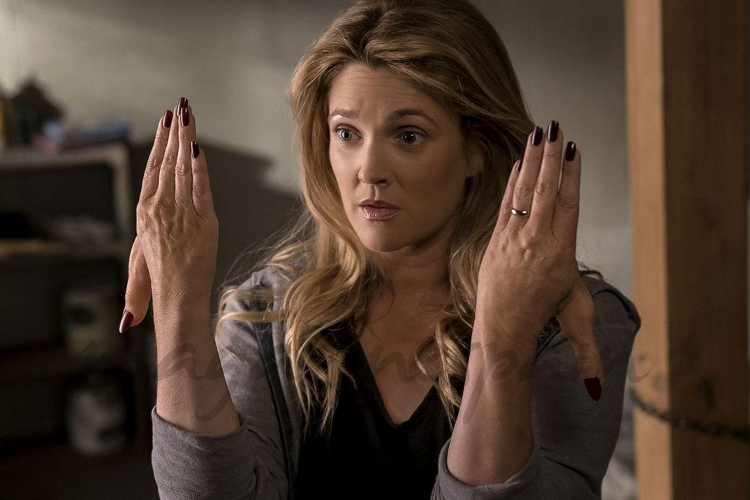 Drew Barrymore- Santa Clarita Diet - Gza. Netflix