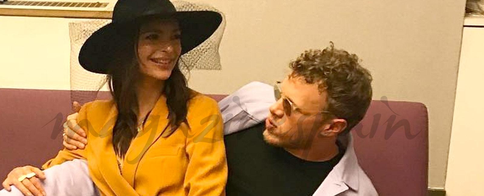 Emily Ratajkowski se casa vestida de Zara