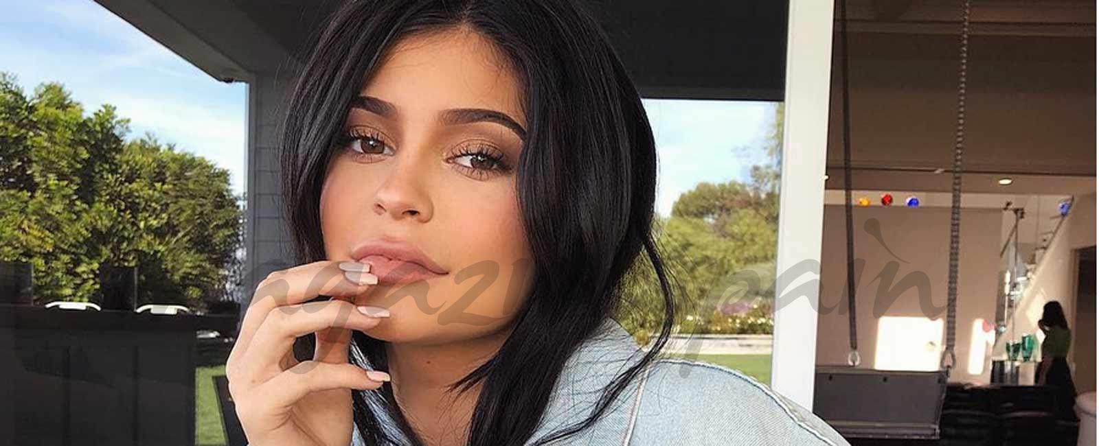 Kylie Jenner anuncia que ha sido madre de una niña