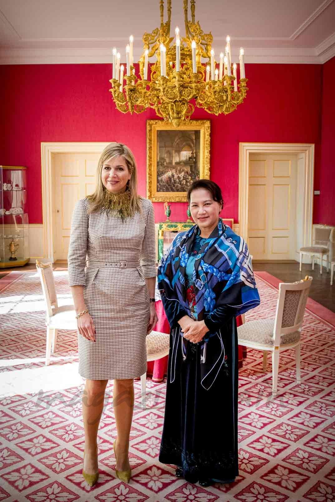 Reina Máxima de Holanda recibe a la mandataria vietnamita Nguyen Thi Kim Ngan