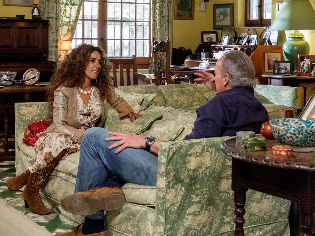 """Rosario Flores con Bertín Osborne en """"Mi casa es la tuya"""" - © Mediaset"""