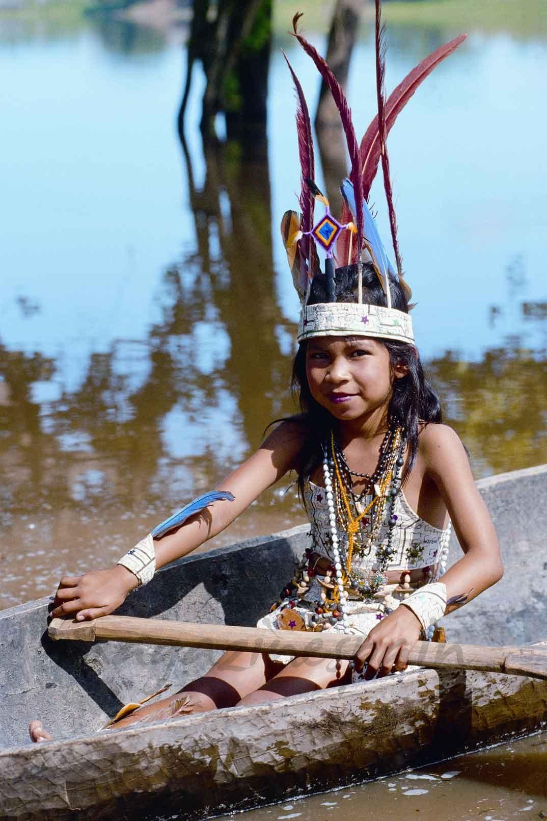 Amazonas Ucayali Niña Shipibo conibo Magali del Solar