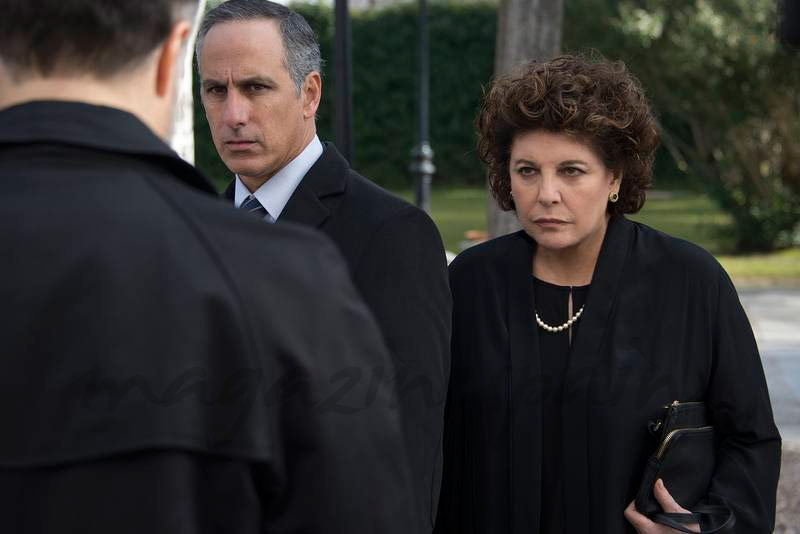 Esperanza sospecha que Velasco está detrás del secuestro - Fugitiva - Capítulo 2 © RTVE