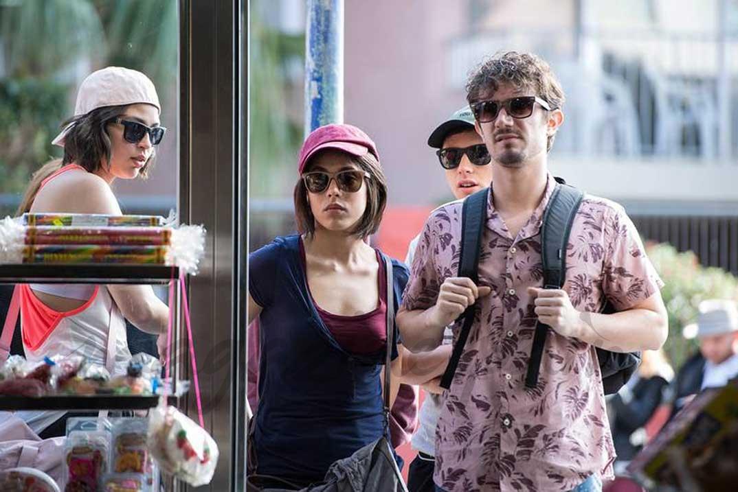 Paulina, Claudia y Rubén, en Benidorm, junto a su tío Edu © RTVE