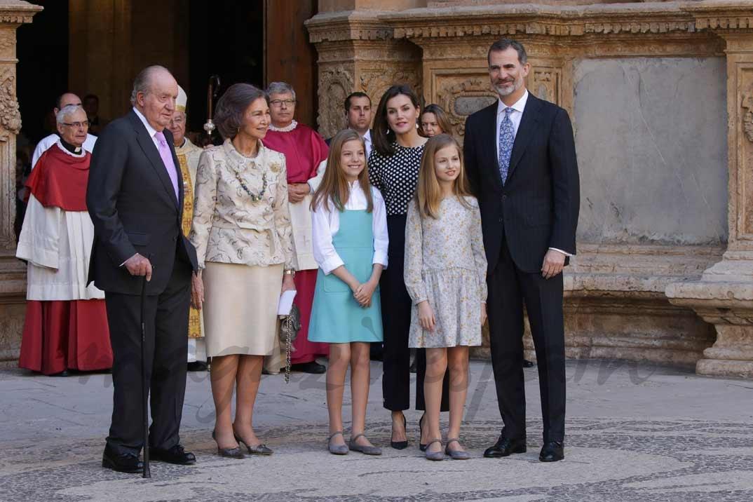 Rey Juan Carlos, Reina Sofía, Infanta Sofía, Princesa Leonor, Reina Letizia, Rey Felipe