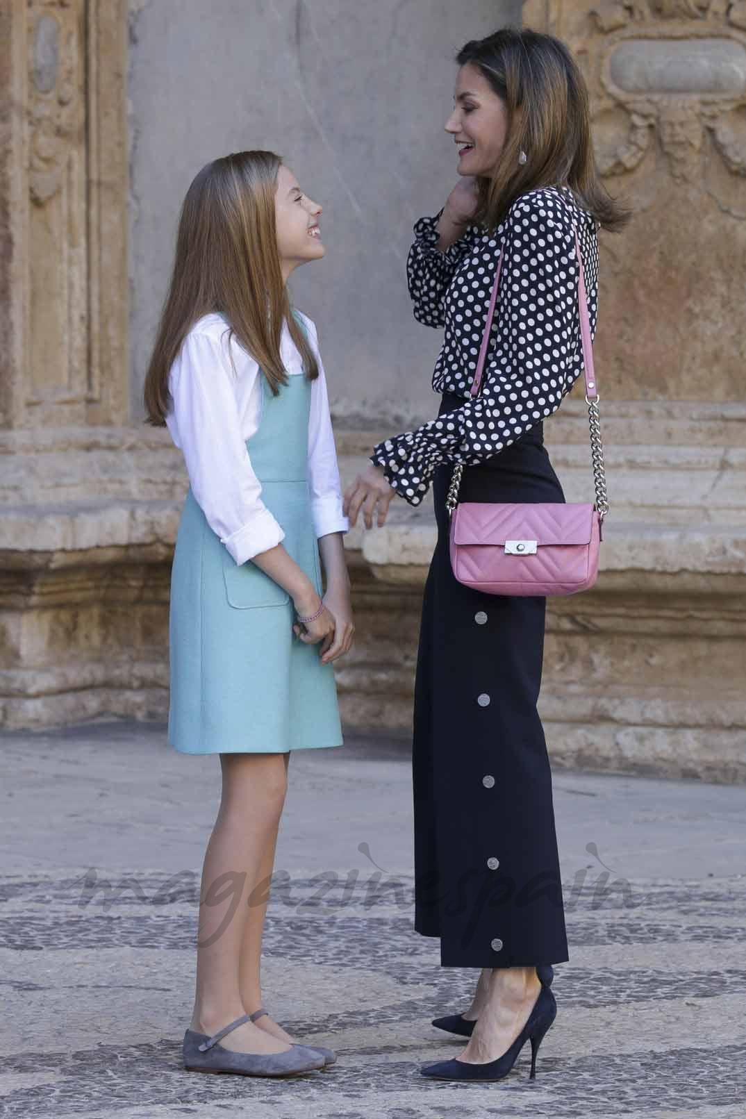 La Reina Letizia con la infanta Sofía