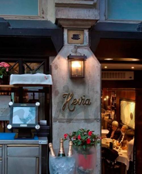 La terraza de Hevia una de las más elegantes de la calle Serrano