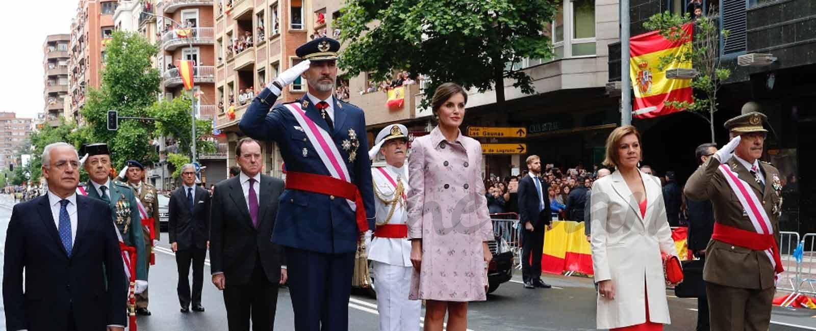 Los Reyes presiden el desfile con motivo del Día de las Fuerzas Armadas