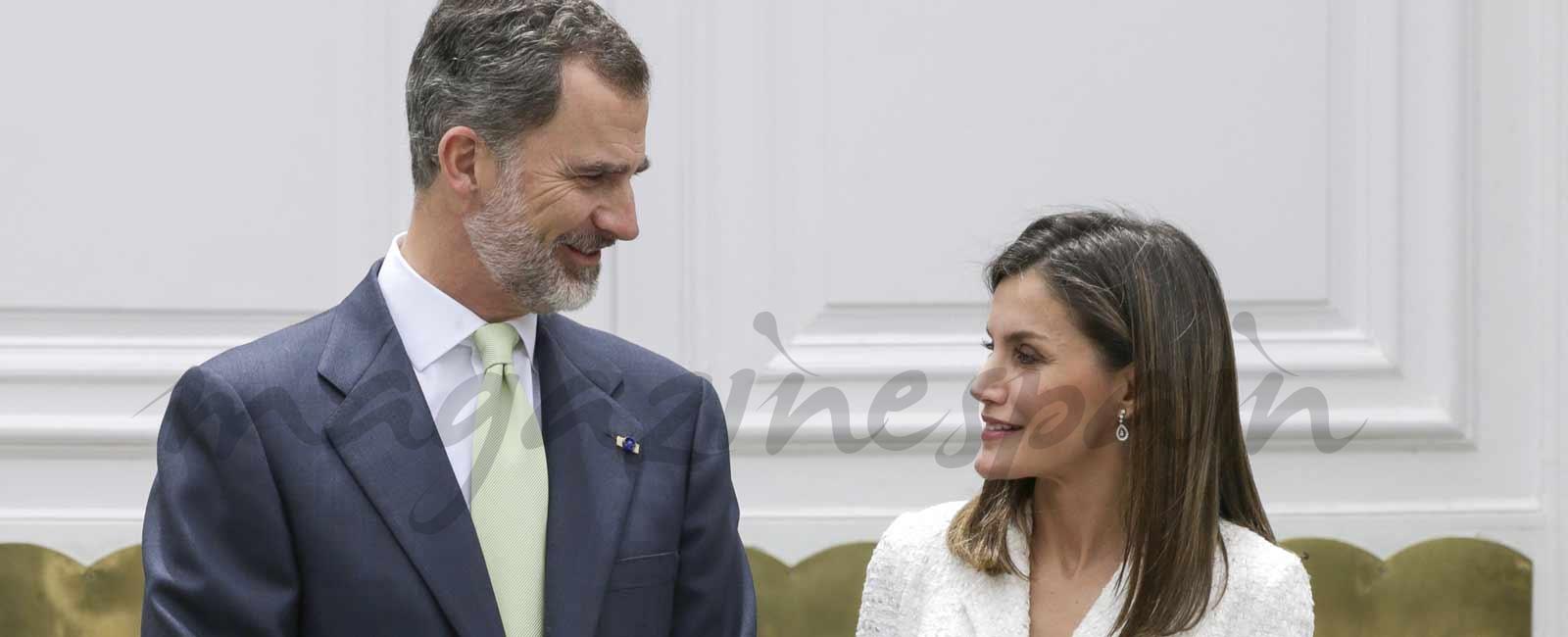 Tú al Caribe y yo en Madrid. Así pasarán los reyes su aniversario