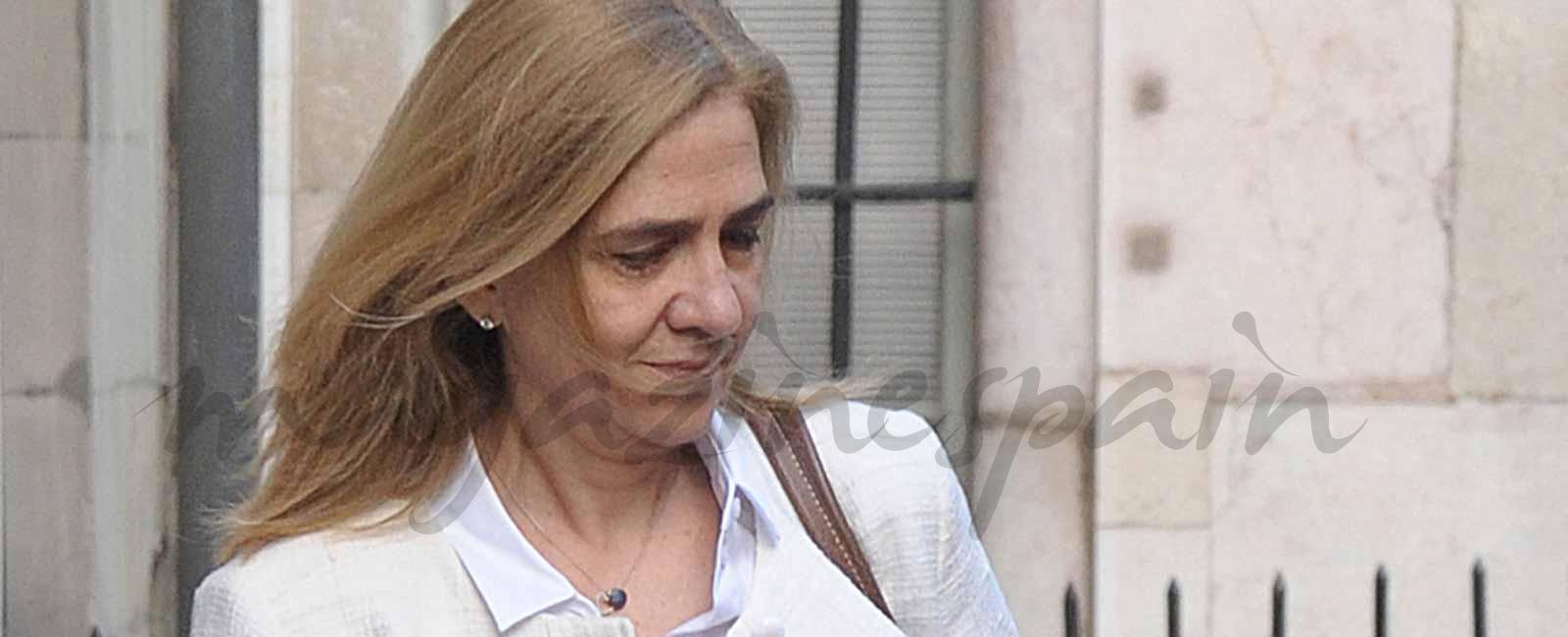 Primeras imágenes de la infanta Cristina tras conocerse la sentencia de cárcel de Iñaki Urdangarín