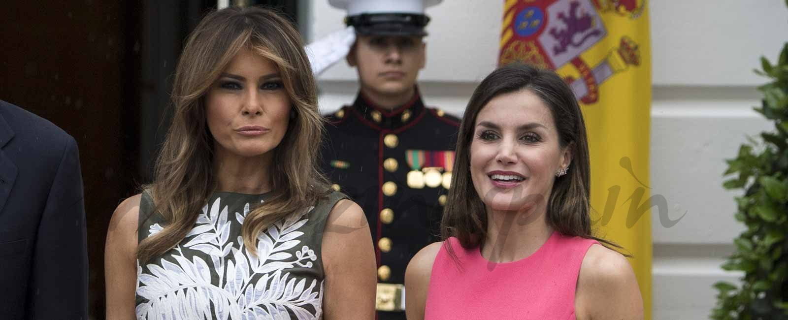 La reina Letizia le «copia» el look a Melania Trump