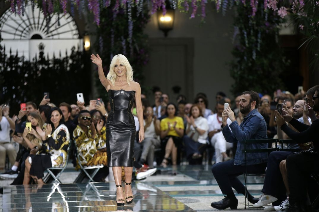 Donatella Versace - Milan Men Fashion Week: Versace Primavera Verano 2018-2019
