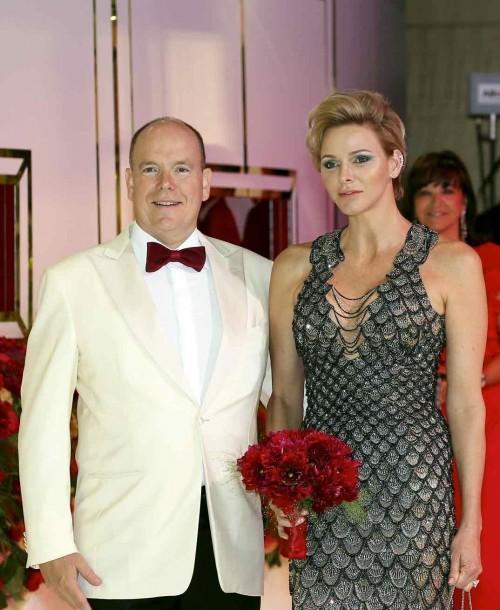Charlene de Mónaco se viste de sirena por Versace