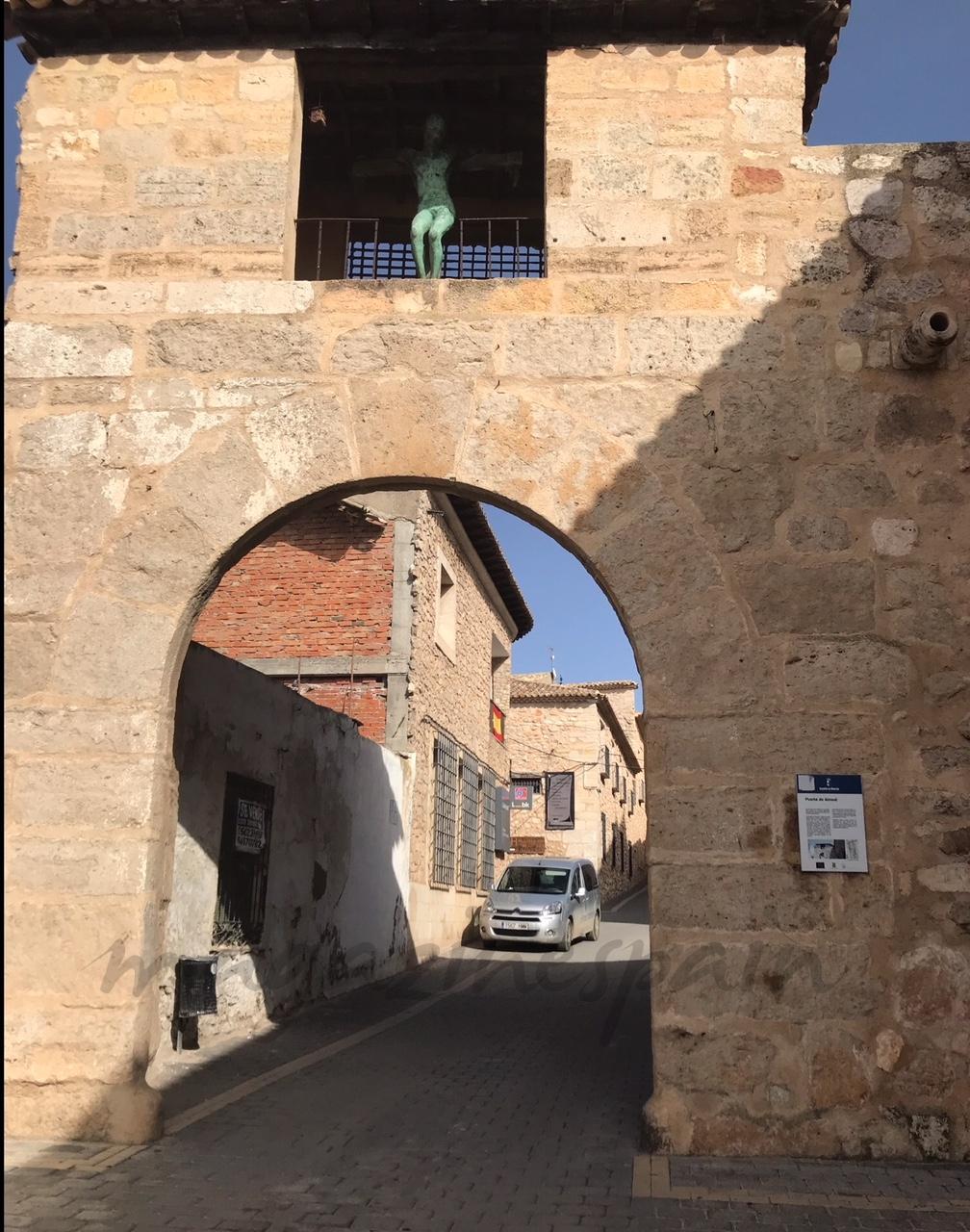 puerta de almundi 2