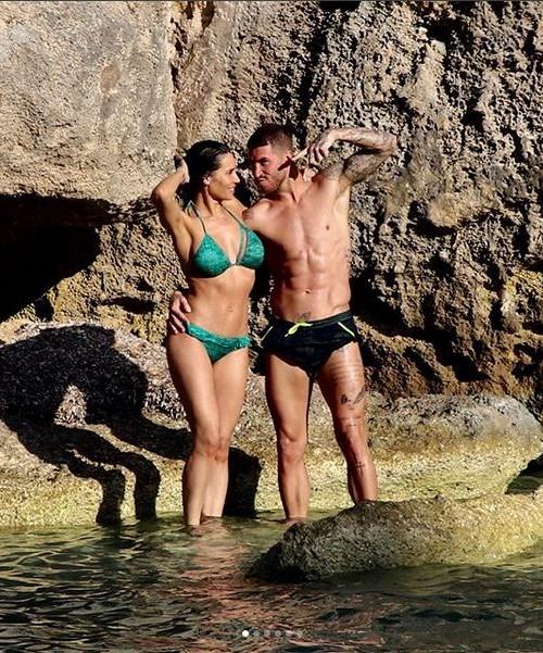 Sergio Ramos y Pilar Rubio presumen de cuerpo y familia diez