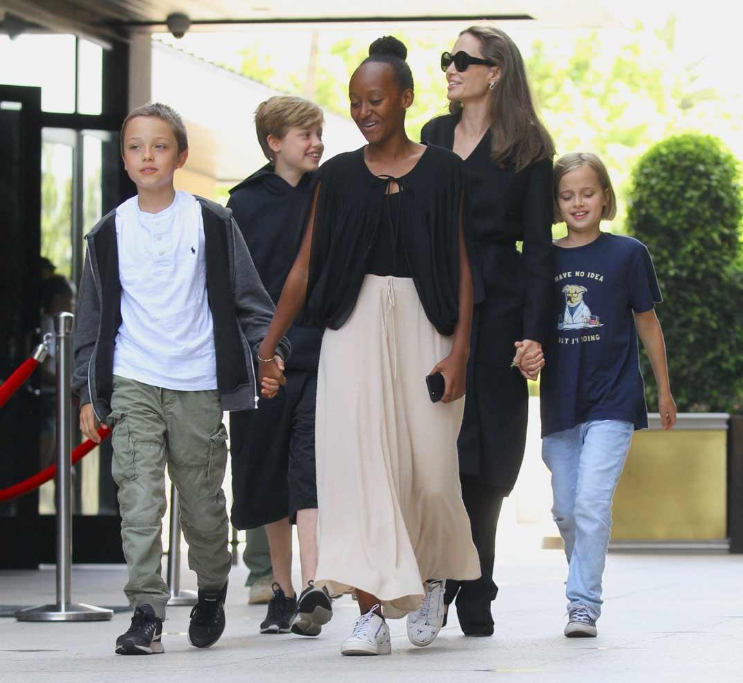 Angelina-vacaciones-hijos