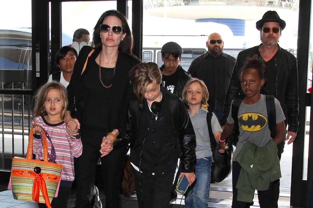 Angelina Jolie afirma que Brad Pitt no pasa la pensión a sus hijos