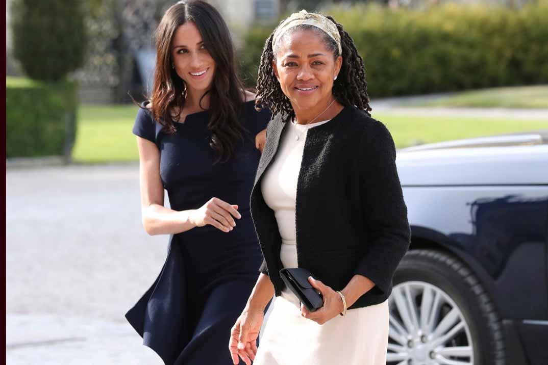 Doria Ragland, la madre de Meghan Markle, invitada sorpresa para pasar la Navidad con la Reina de Inglaterra