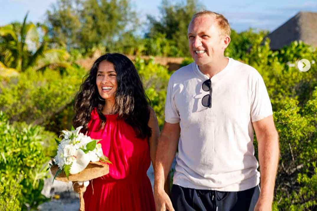Las románticas imágenes de la boda sorpresa de Salma Hayek