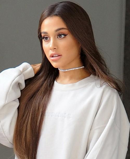 Ariana Grande se tatúa por error la palabra barbacoa en japonés