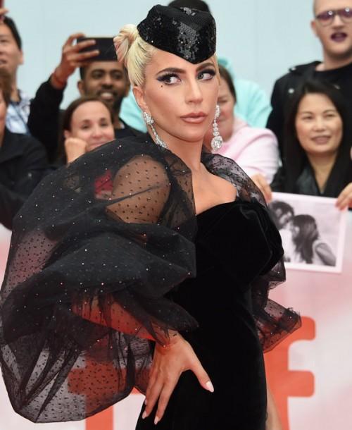 Lady Gaga lleva meses guardando un secreto: se ha comprometido
